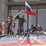 Hosszú sorok állnak Kelet-Ukrajnában az orosz útlevélért