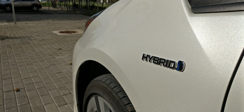 Óriási visszahívást rendelt el a Toyota, több millió hibrid érintett
