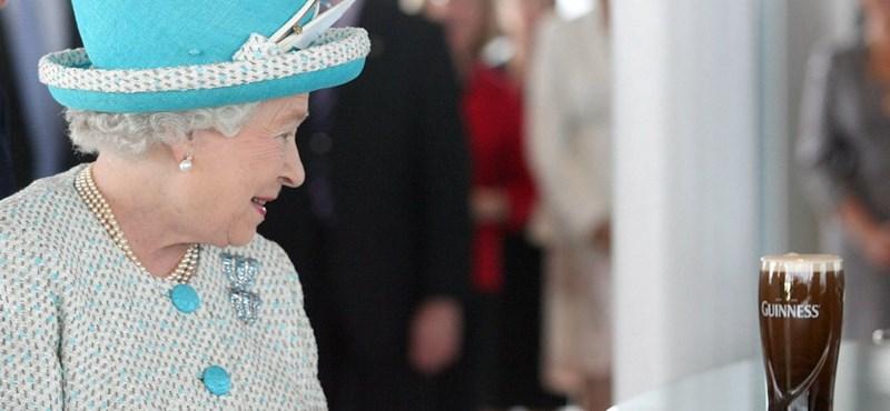 Hatvanöt éve koronázták meg Erzsébet királynőt