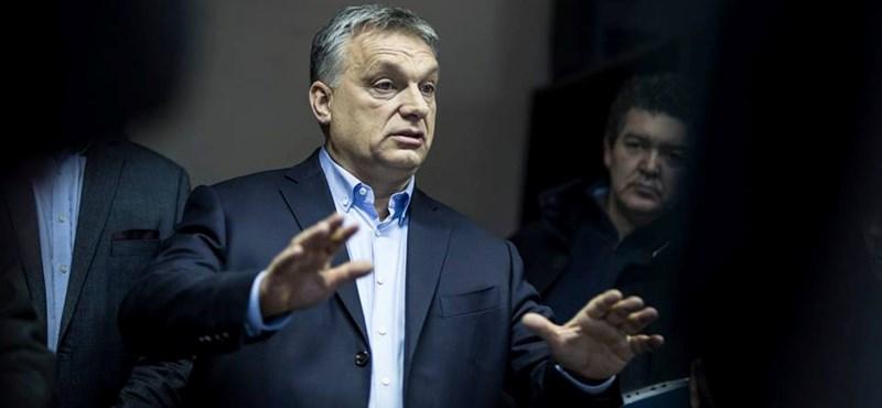 Orbán gondterhelt arccal beelőzte a betegeket egy fővárosi szakrendelőben