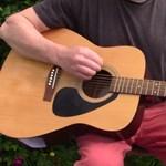 Feltalálták a leglustább módját, hogy megtanulj gitározni - videó