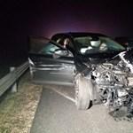 Nem volt ittas a sofőr, aki Adonynál egy háromgyermekes család autójába csapódott