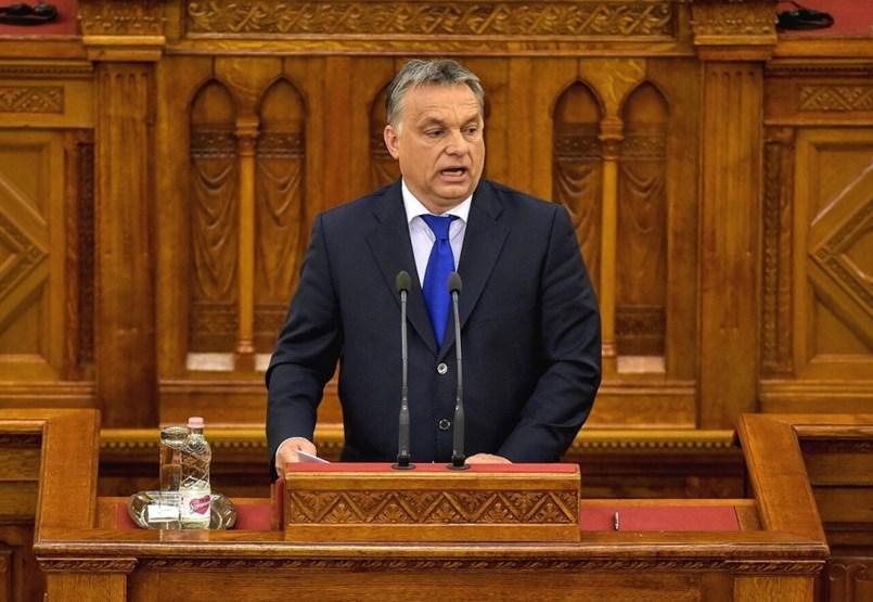 Megzavarták Orbán Viktor parlamenti beszédét