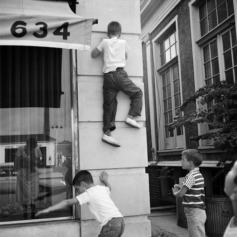 NE használd_! - Vivian Maier nagyítás - Chicagoland, d.n. (zselatinos ezüst, 2014)