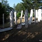 Megrongálták a holokauszt-emlékművet Balfon