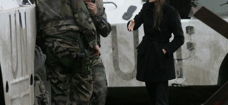 Angelina Jolie továbbállt, és már Boszniában forgat