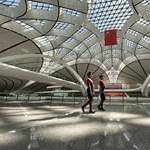 Galéria: Megnyílt Peking vadiúj, Zaha Hadid-tervezte reptere