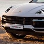 Fotókon az érkezőben lévő megújult Porsche Cayenne