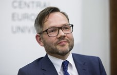 Roth: Cinikus feltételezés, hogy a németek üzleti érdek miatt nem elég kemények Orbánnal