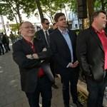 Matolcsy lemondásáért tüntettek a szocialisták