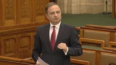 Brenner Koloman válthatja Sneider Tamást a parlament alelnöki székében