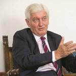 Bemutatta az új oktatási államtitkárt a miniszter: az oktatás mellett a nevelésé lesz a főszerep
