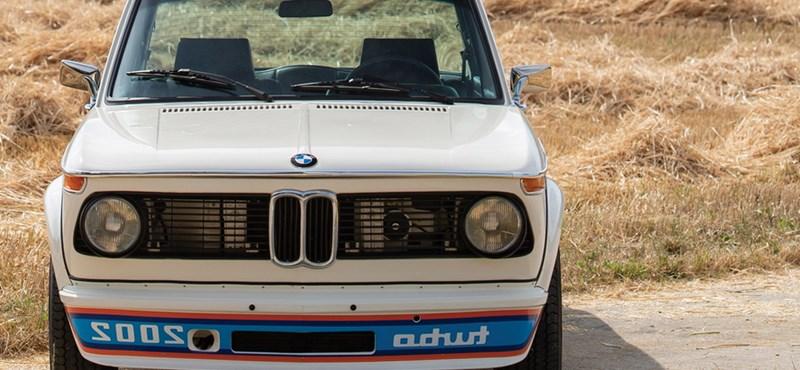 Az első turbós BMW: új gazdára vár ez a szuperritka 2002 Turbo