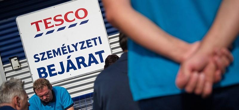 Szűkítik az eladóteret, egyszerűsödik a termékkínálat – így racionalizál a Tesco