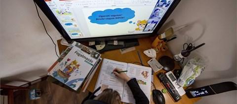 Ingyenes internetet kapnak a diákok és a tanárok