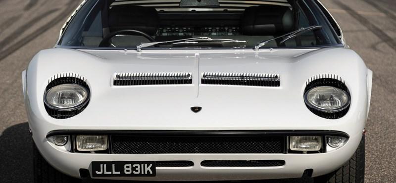 Rod Stewart ikonikus Lamborghinije 500 millió forintért cserélhet gazdát