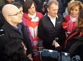 Nem engedték be a Suzuki-gyárba az ellenzékieket, később visszatérnek  – percről percre