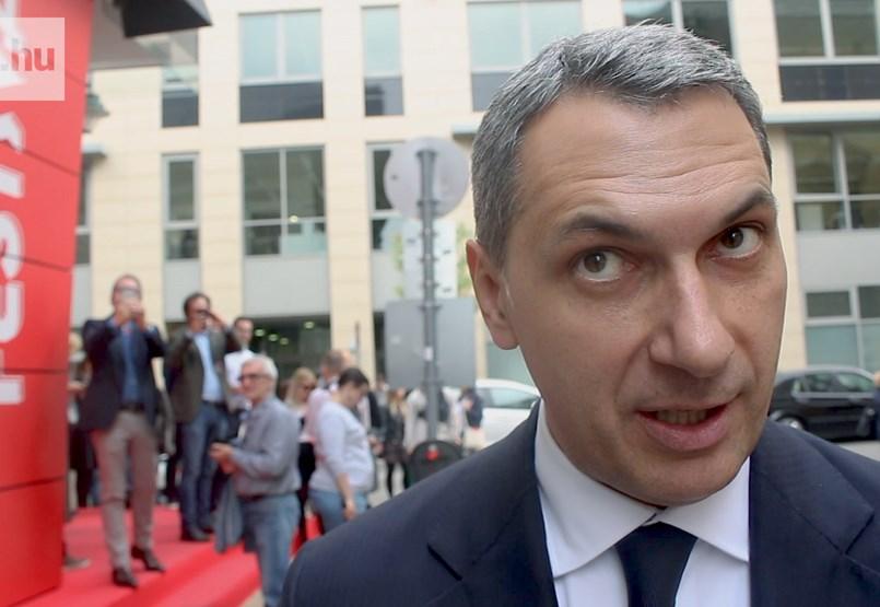 Lázár János: Ma reggel közöltem a trafikosokkal, nem mondom, hogy örültek