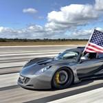 Nem finomkodnak: 1000 lóerős elektromos autó épül
