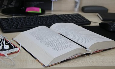 Így teljesítenek a magyar felnőttek a szövegértés, a problémamegoldás és a számolás területén