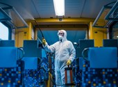Koronavírus ellen: hogyan lehet fertőtleníteni termekben, szobákban, repülőn?