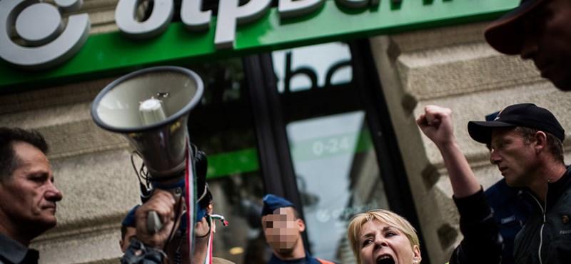 Zaklatott lázadók vezetnék a népet a devizahitelek ellen