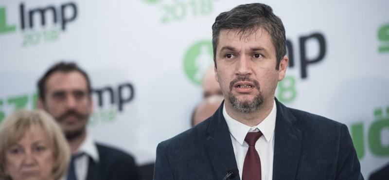 Hadházy: Sokan hamar túltették magukat azon, hogy kétes legitimitású parlamentbe ülnek be
