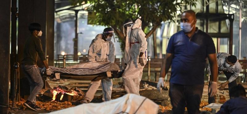 Óriási a baj Indiában, egyetlen nap alatt 314 ezer fertőzöttet jelentettek