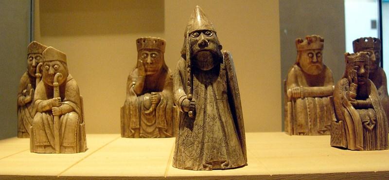 Alig pár száz forintért vette, 265 millióért adta el a középkori sakkfigurát