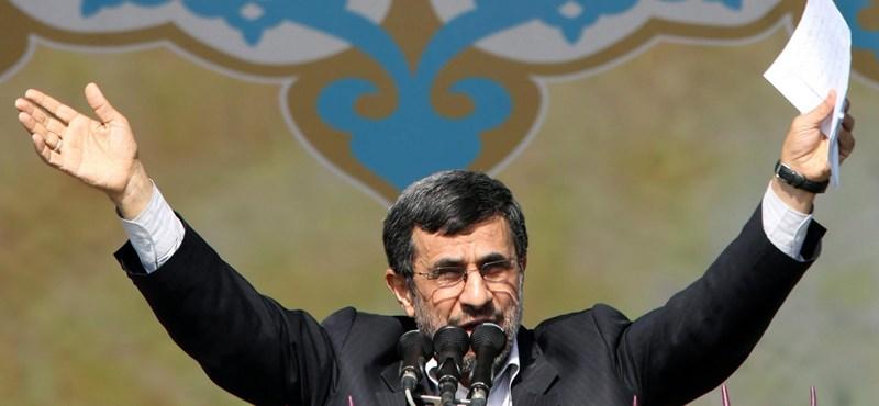 """Az iráni elnök tárgyalna, ha """"nem szegeznének rájuk fegyvert"""""""