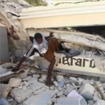 Földrengés Haitin: káosz és akadozó segítség (sokkoló képek)