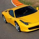 Ferrari-szalon nyílik a Bank Centerben