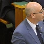 Dacol Tóbiással és nem mond le a dunaújvárosi MSZP-elnök