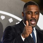 Moziban kérte meg párja kezét Idris Elba – videó