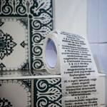 Meghekkelték a vécépapírt a parlamenti mosdóban - fotó