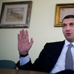 Újabb képviselői kiváltságokat lobbiztak be Lázár tervébe a fideszesek