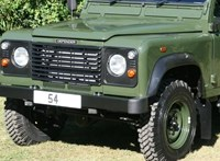 A részben általa tervezett Land Rover viszi utolsó útján Fülöp herceget