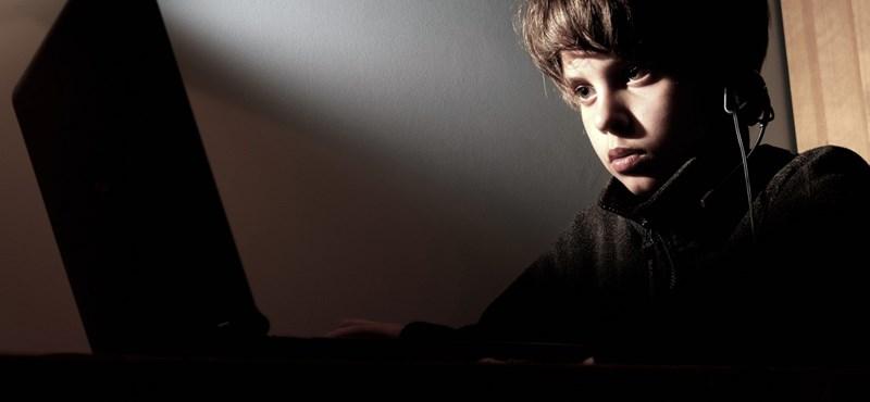 Árulkodott a PISA: a sok internet is ront a diákok teljesítményén