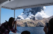 Új-zélandi vulkánkitörés: nem tudnak mentőcsapatokat küldeni, pedig többen a szigeten rekedtek