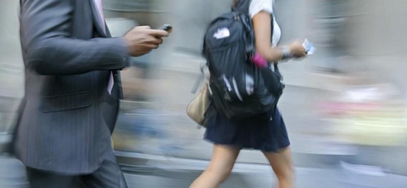 Mobilpályázat: tízmilliárdokban mérhető a kormány bénázása