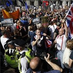 Tízezrek vonultak utcára Boris Johnson húzása miatt