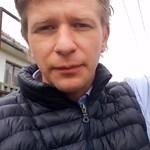 Civil kurázsi: patkánytemetést rendezett Kardos-Horváth János popzenész