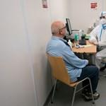 Bécsben ingyen letesztelnek mindenkit koronavírusra, akinek influenzás tünetei vannak