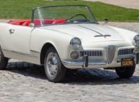 Magyarországon újították fel ezt a 60 éves remek Alfa Romeo Spidert