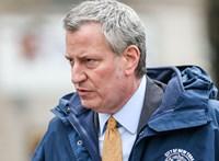 New York demokrata polgármestere visszalépett az elnökjelöltségért folytatott küzdelemből