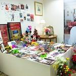 Sosem látott képek kerültek elő Michael Jackson bizarr hálószobájáról