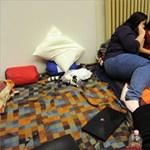 Felfüggesztették az éhségsztrájkot a szegedi egyetemisták