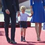 György herceg kirobbanó formában cukiskodik az európai körútján