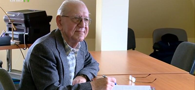 Lediplomázott az ország legidősebb egyetemistája