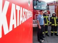 Akkor robbant fel egy gázpalack, amikor kiértek a tűzoltók a lángoló parasztházhoz